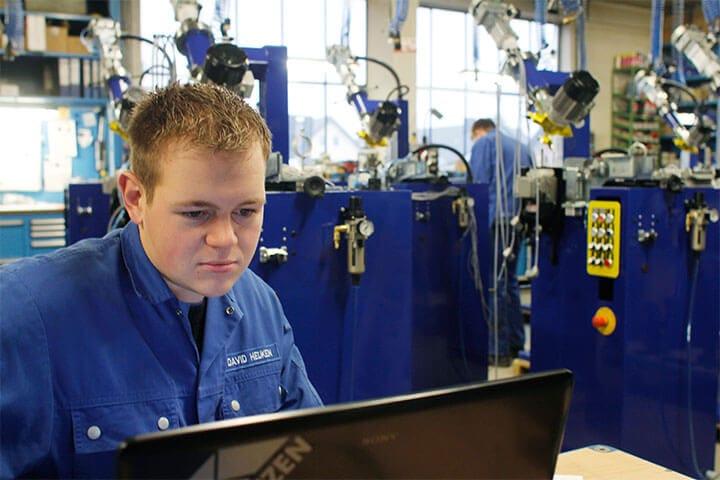 David Heuken - Assembly, Production, Service